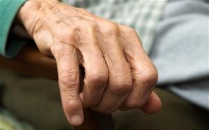 hand of oldwoman